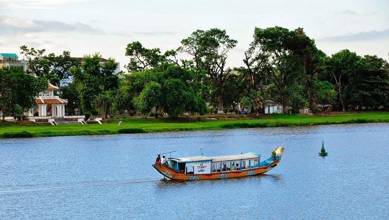 boat trip on perfume river